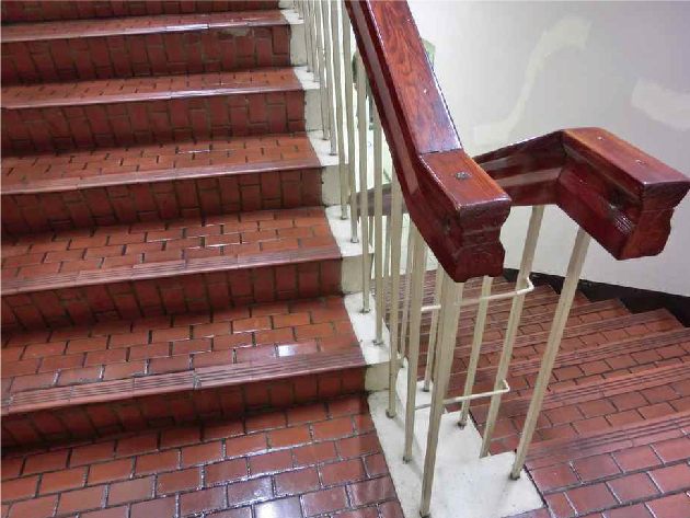 レトロな階段のデザイン